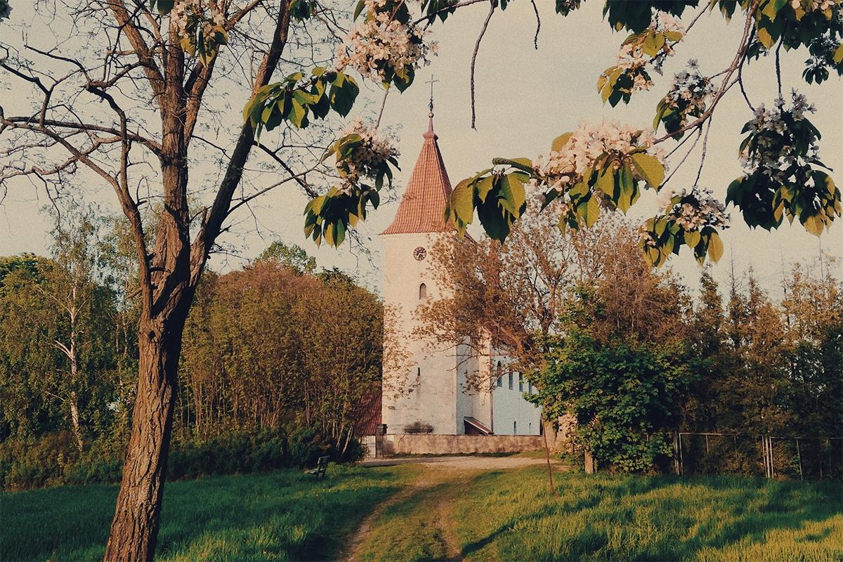 Kotel Nanebevzetí Panny Marie ve Třebsku, kam Dvořák v roce 1894 zakoupil nové varhany, foto:Karolina Ketmanová
